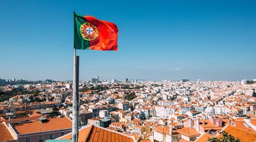CHEGOU HÁ VEZ DOS BRASILEIROS DESCOBRIREM PORTUGAL